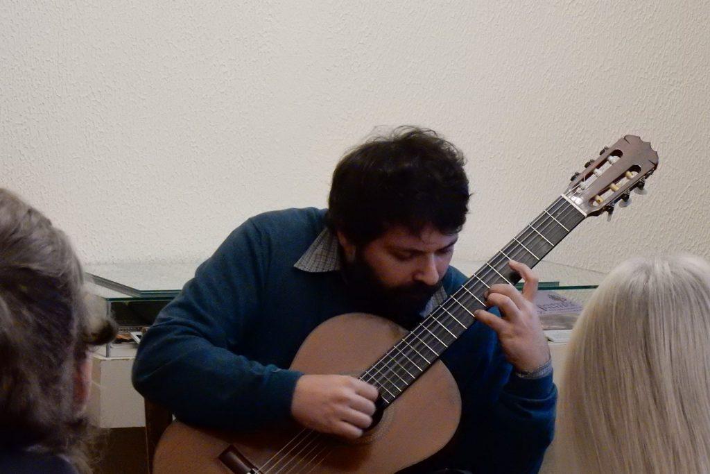 guitar 18
